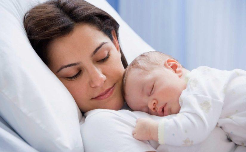 فوائد الرضاعة الطبيعية لمدة عامين