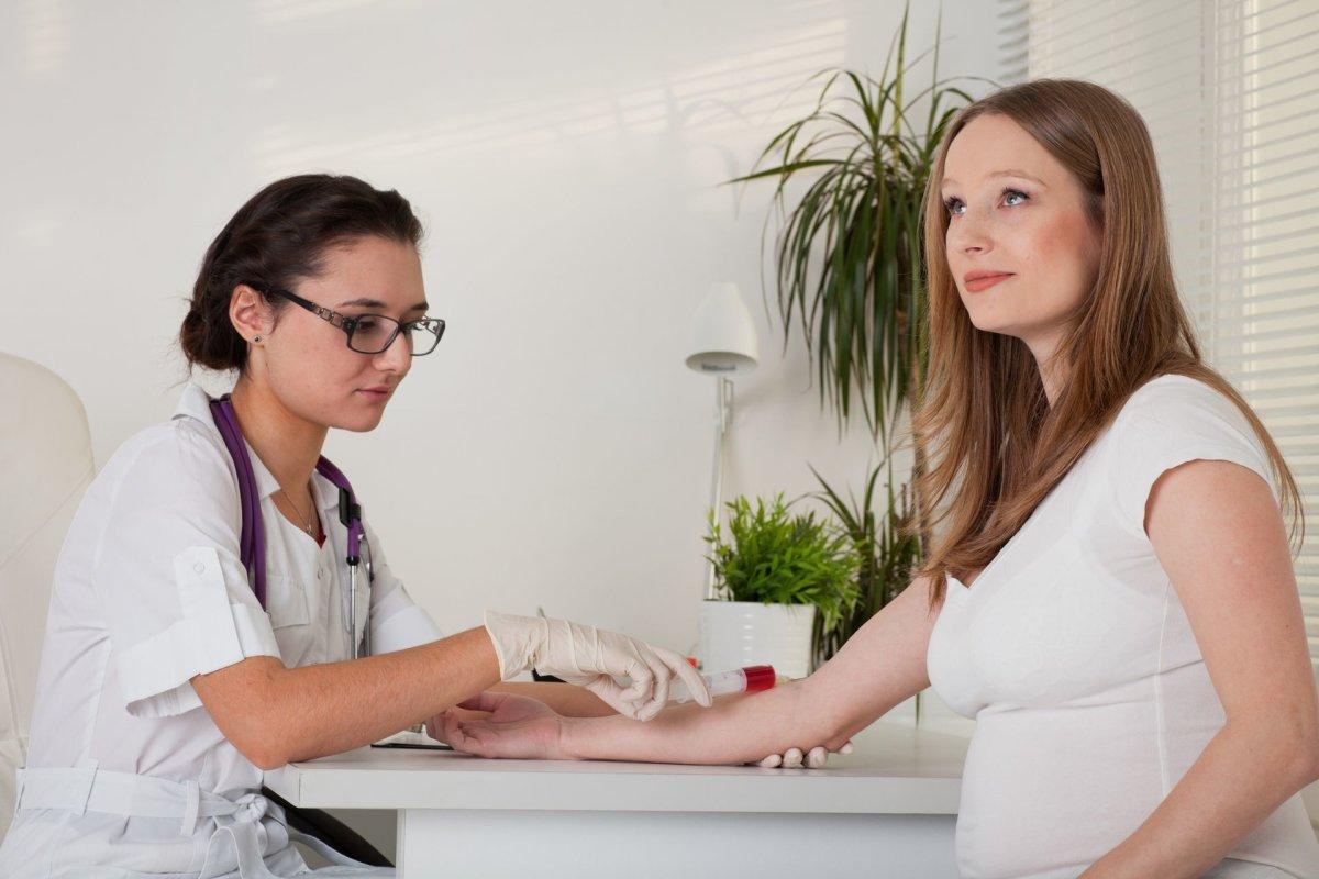 متى يظهر الحمل بتحليل الدم