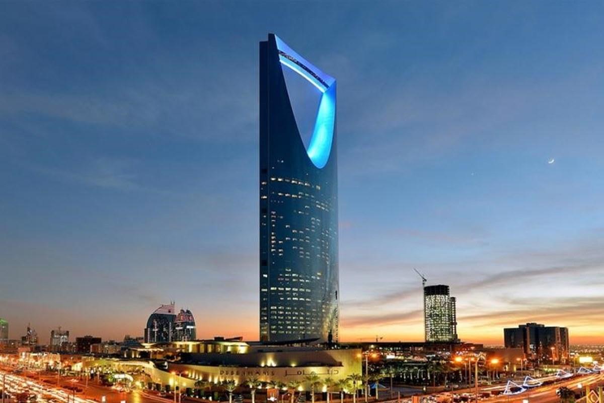 برج المملكة بالصور من أشهر المعالم الحضارية
