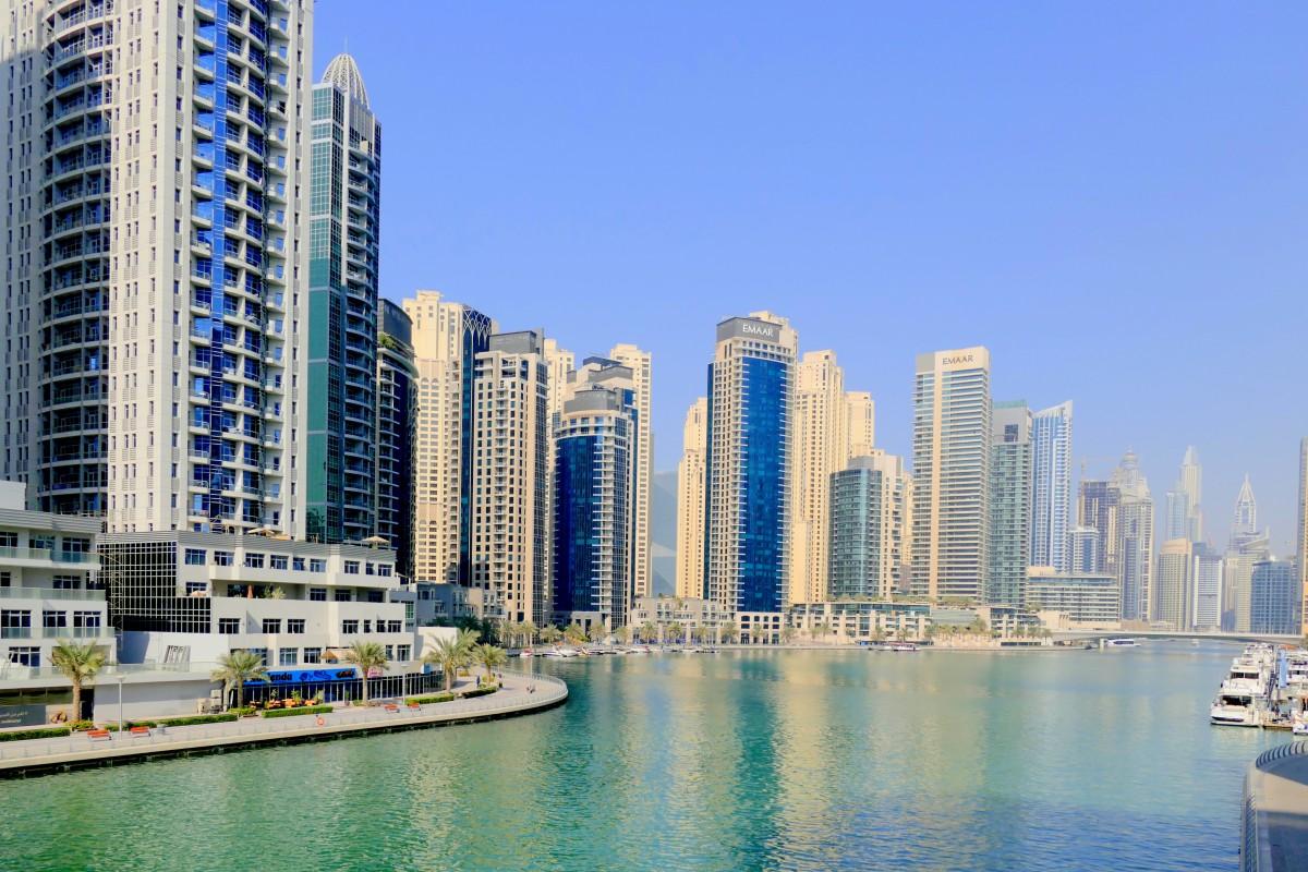 أين يقع سوق نايف في دبي