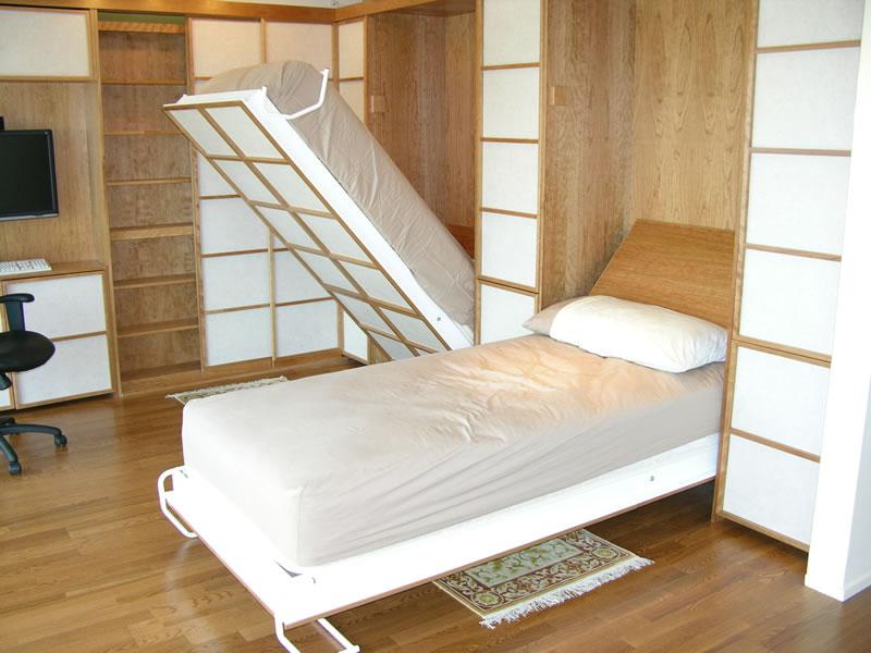 سرير جداري