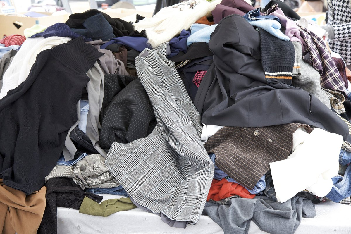 اماكن بيع الملابس المستعملة في الشارقة