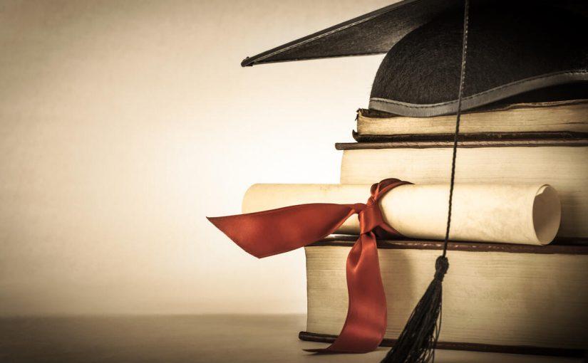 عبارات قصيرة عن التخرج