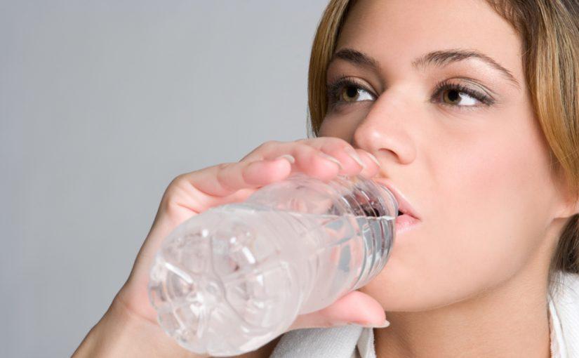 فوائد شرب الماء للبشرة