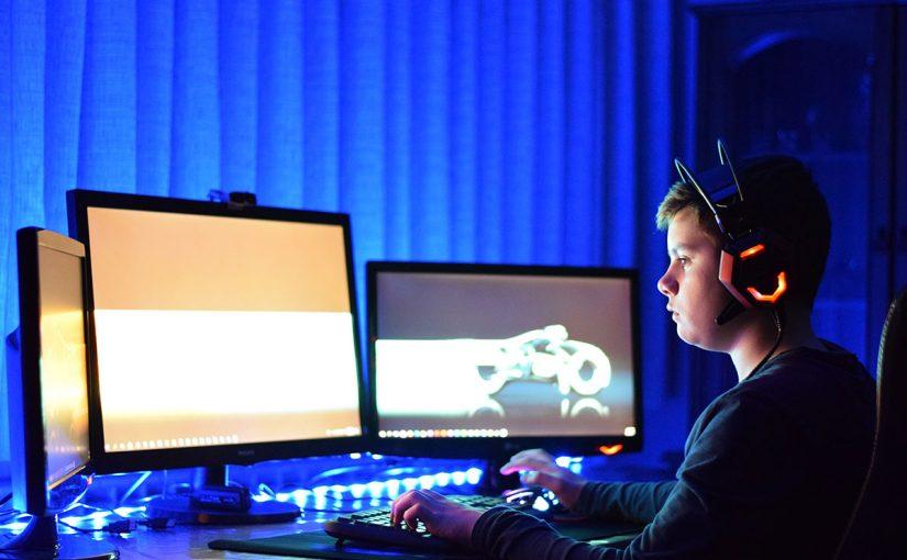 أضرار الألعاب الإلكترونية وفوائدها