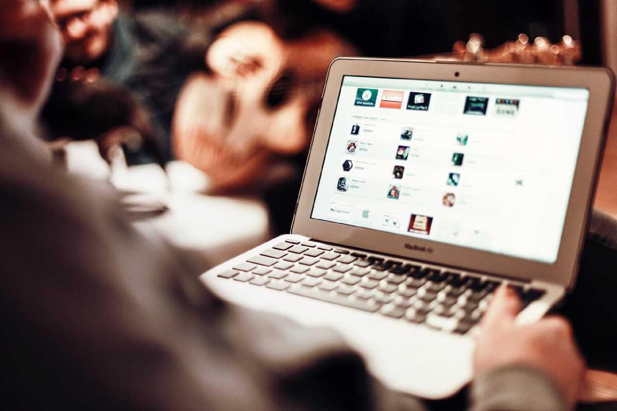 بحث عن مجالات العمل الحر للشباب