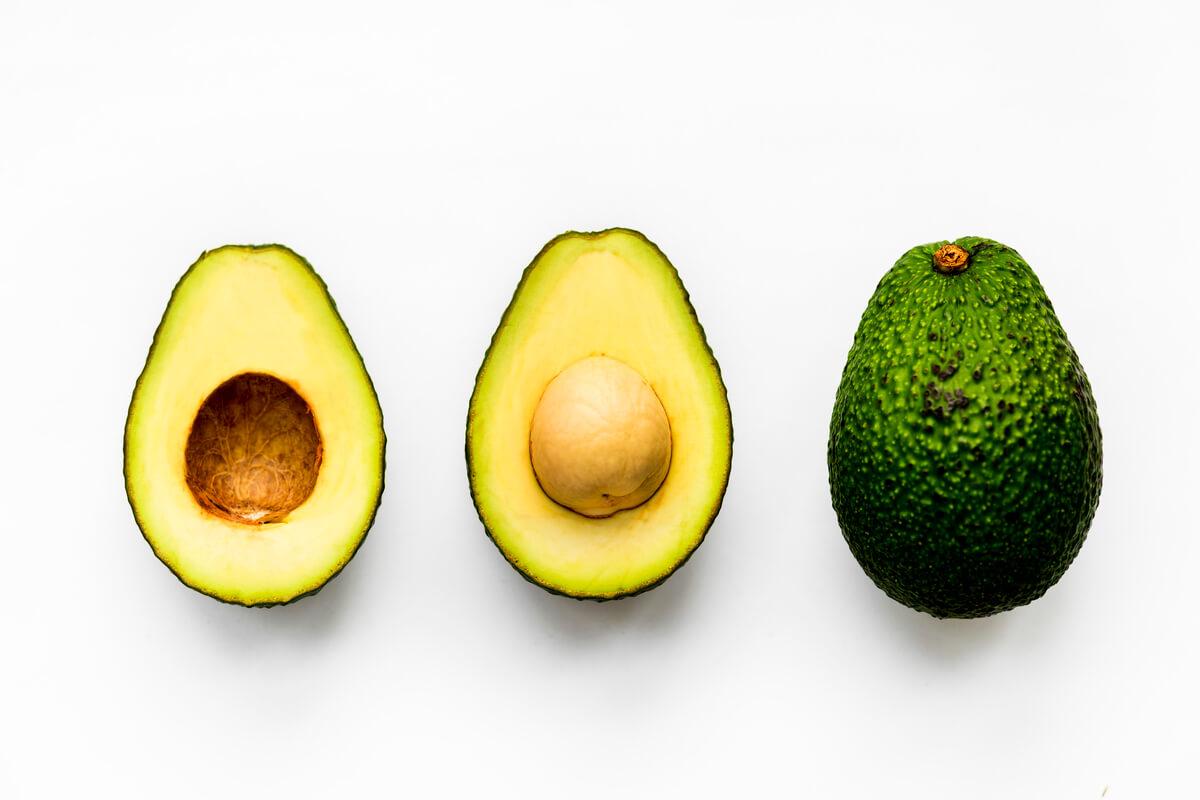 كيف يؤكل الافوكادو بطرق صحية