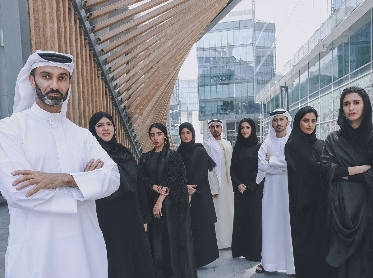 اسم الثوب الإماراتي الرجالي والنسائي