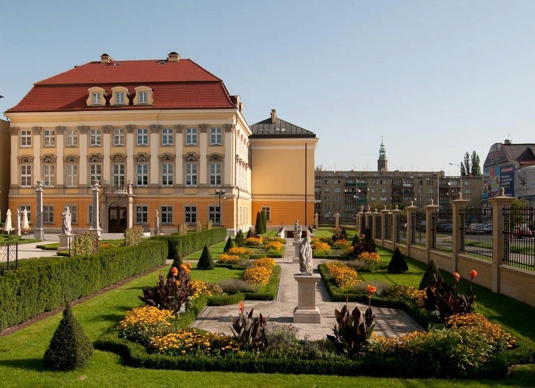 القصر الملكي بروكلو