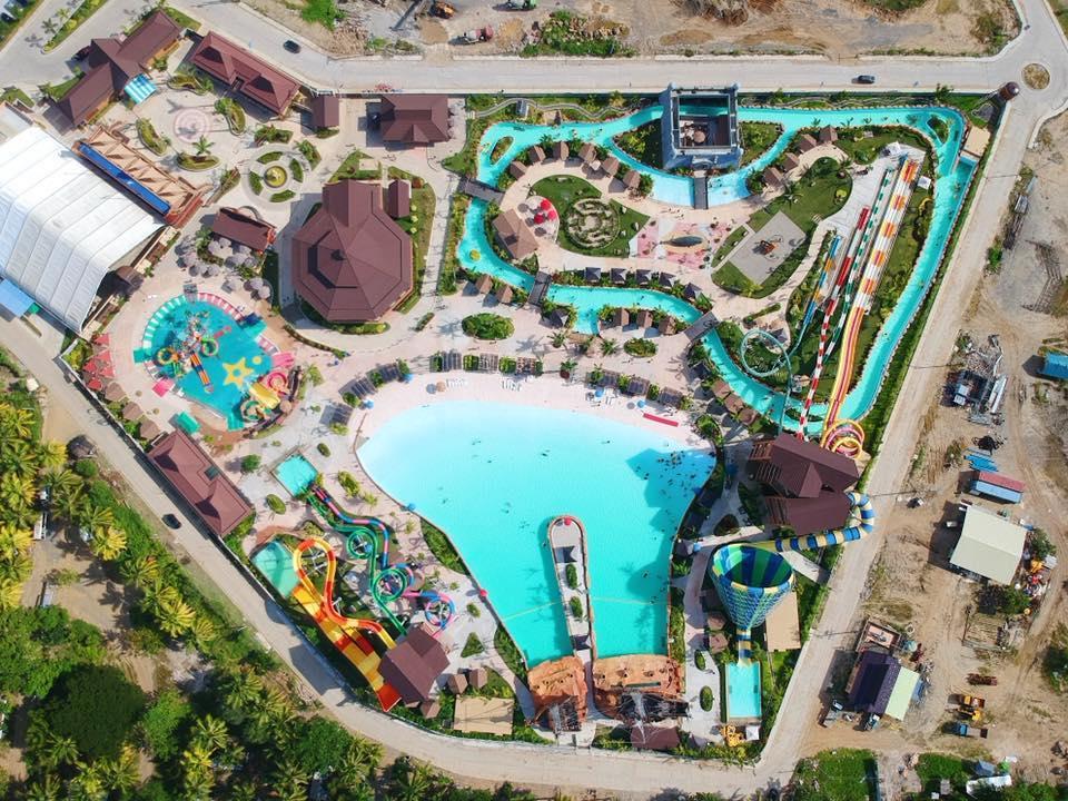 مدينة الألعاب المائية سيفن سيز في الفلبين
