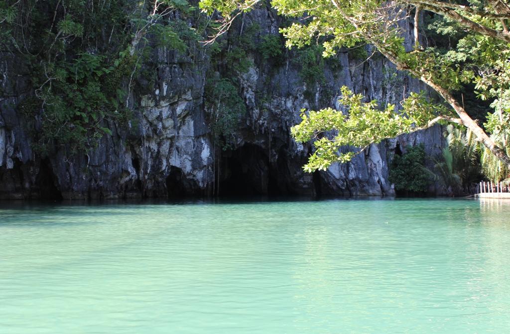 نهر بويرتو برينشيسا السفلي في الفلبين