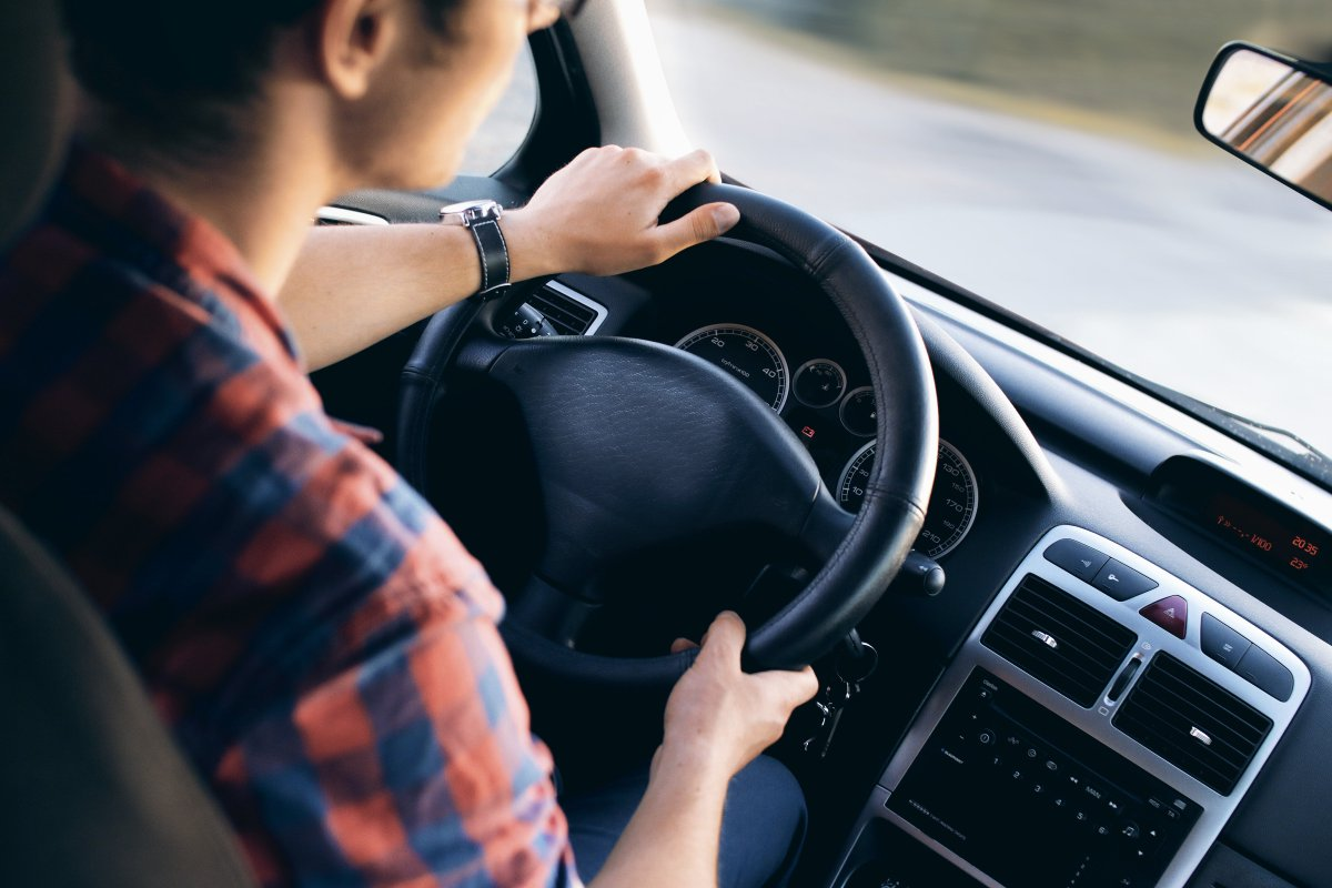 تفسير قيادة السيارة في المنام