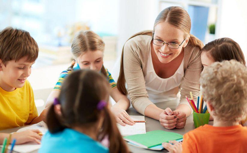 موضوع عن يوم المعلم للاطفال