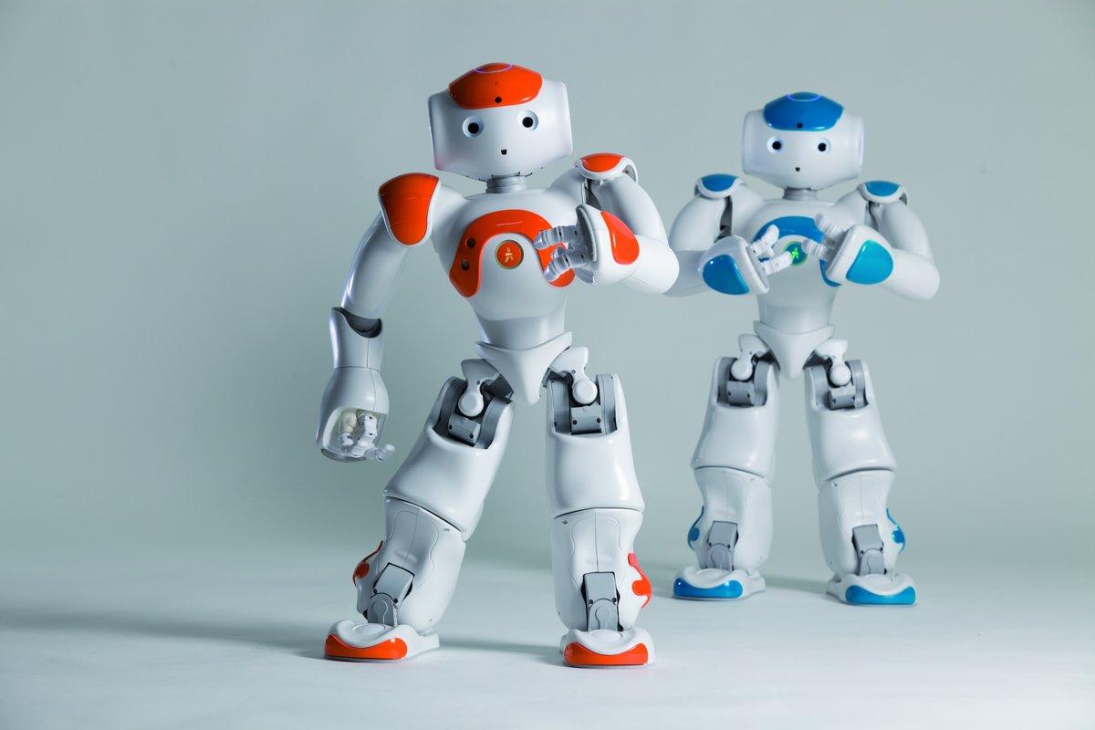 بحث عن الروبوتات ومميزاتها وفوائدها موسوعة