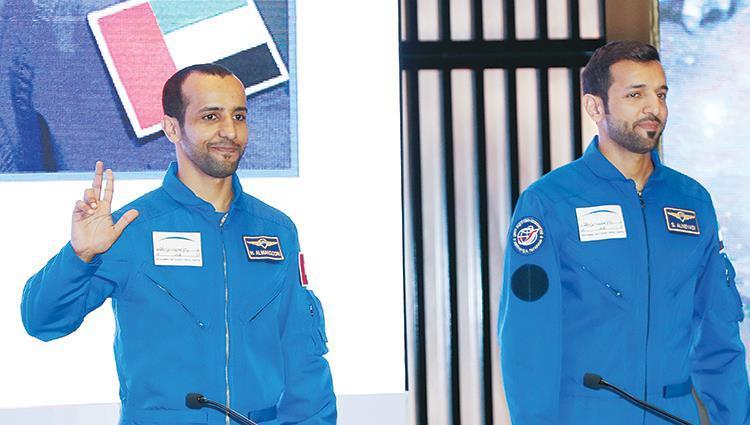 بريد الإمارات يحتفل بانطلاق الرحلة الأولى لرائد الفضاء الإماراتي