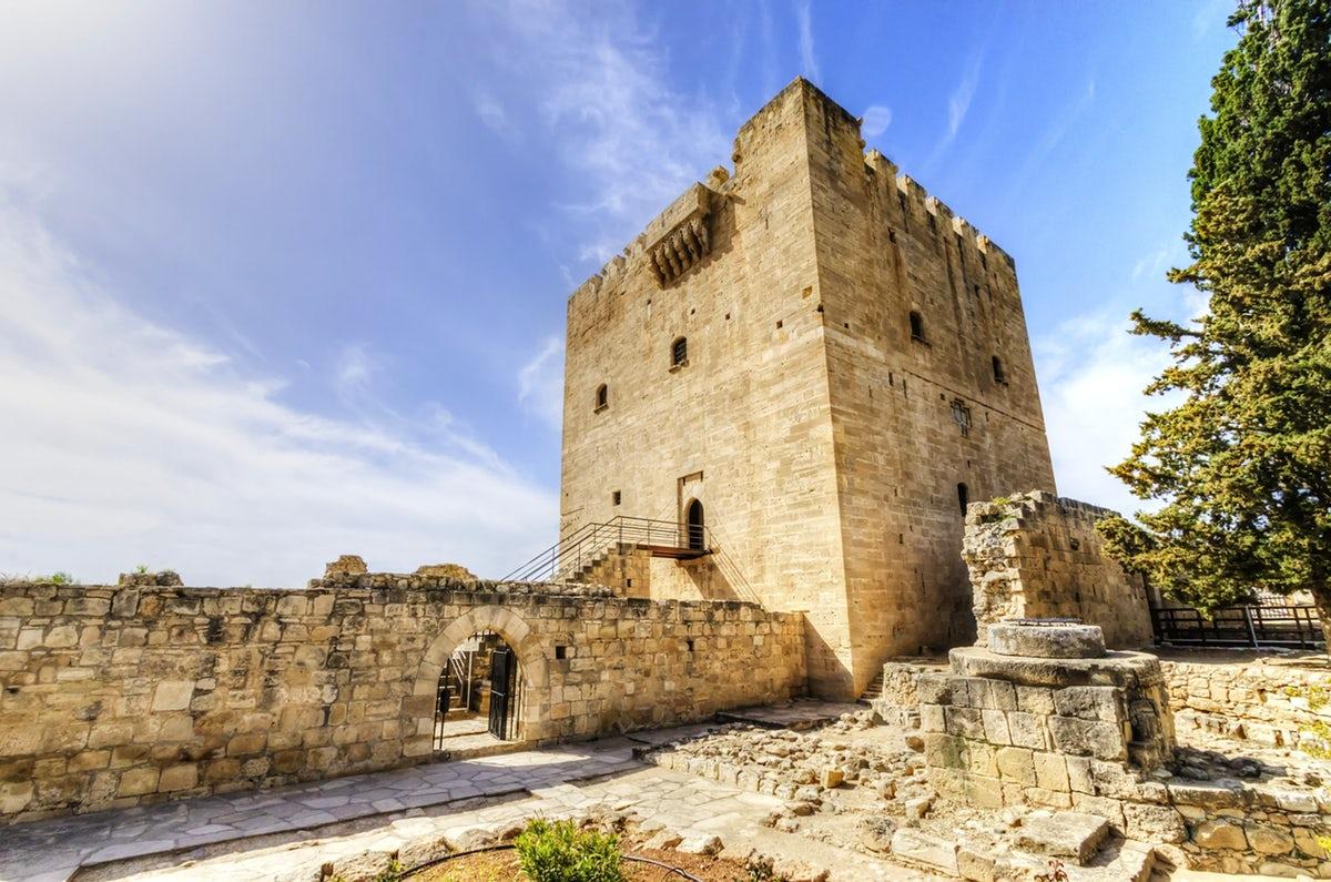 قلعة ليماسول   Limassol Castle
