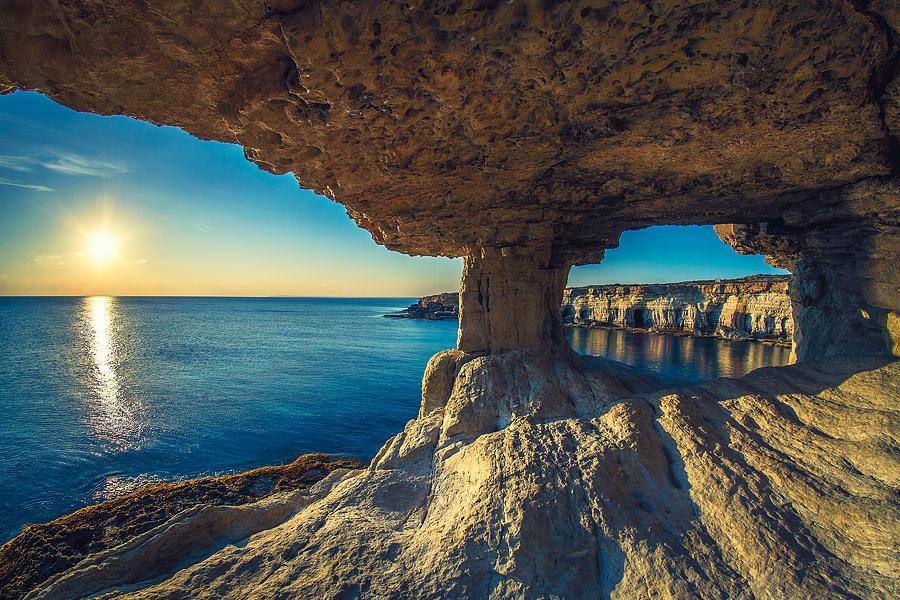 كهوف البحر Sea Caves