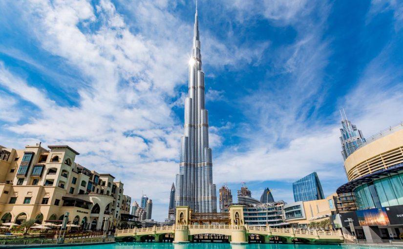 برج خليفة تحفة معمارية سياحية دبي
