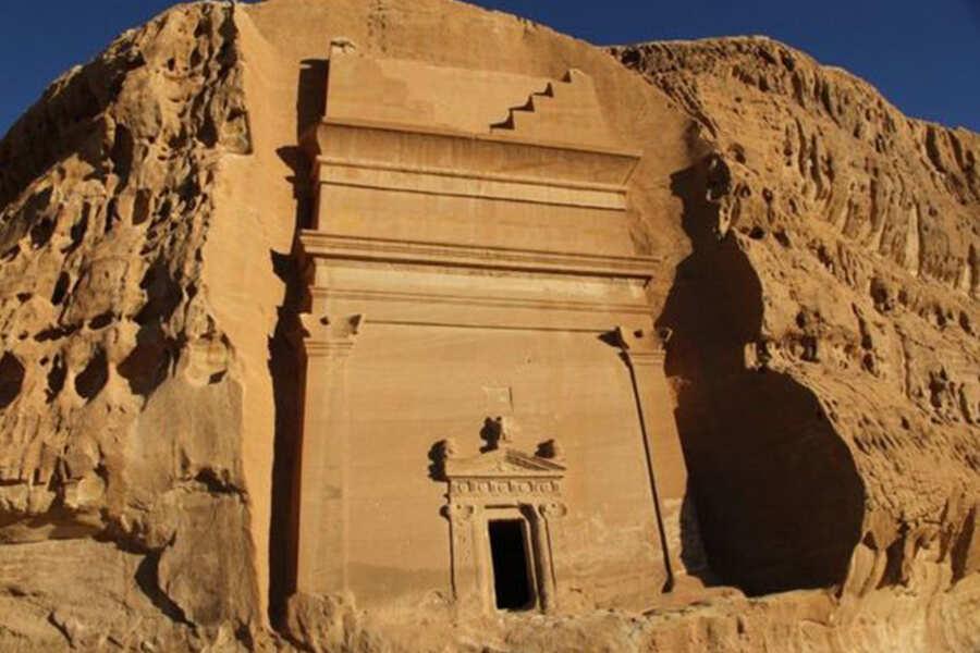 بالصور.. علماء يكتشفون آثار حضارة غامضة في السعودية