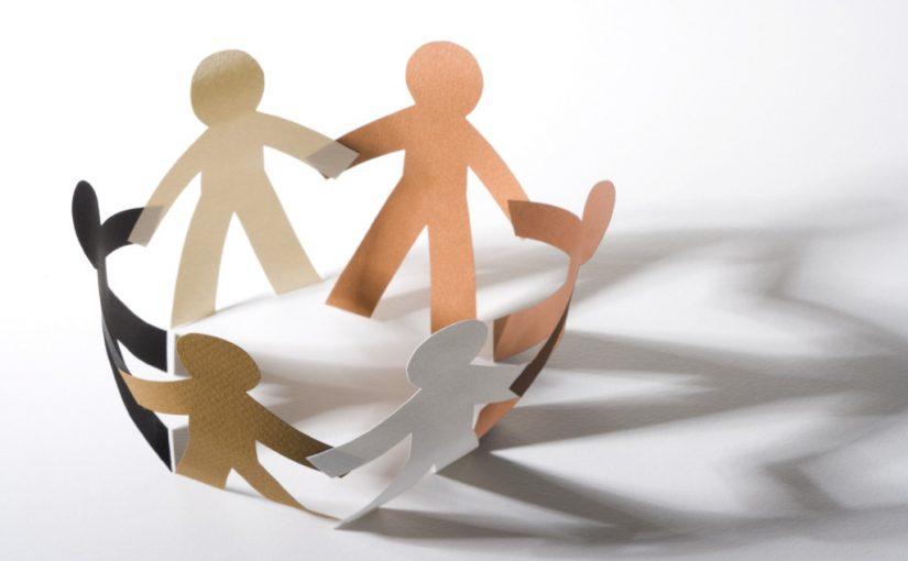 اذاعة مدرسية كاملة عن التعاون