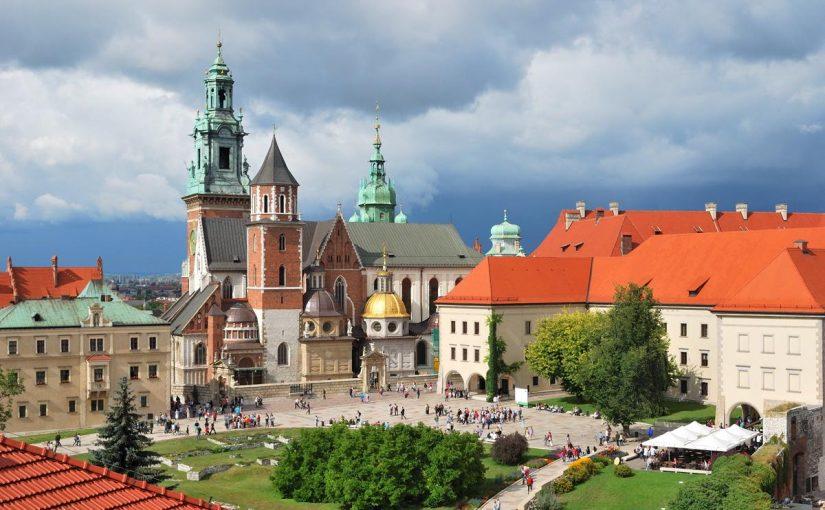 تجارب السفر الى بولندا