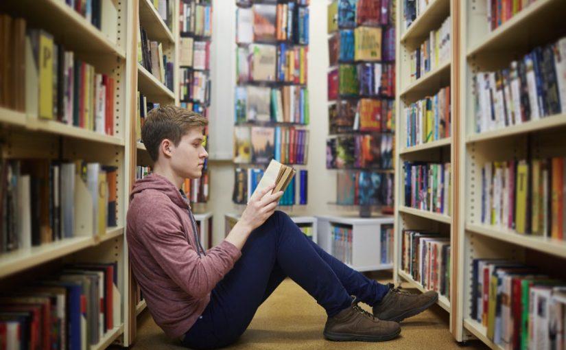 فوائد قراءة الكتب بالتفصيل