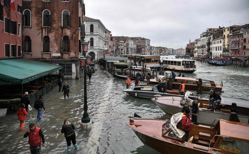 غرق 90% من مدينة فينيسيا الإيطالية بسبب الفيضانات
