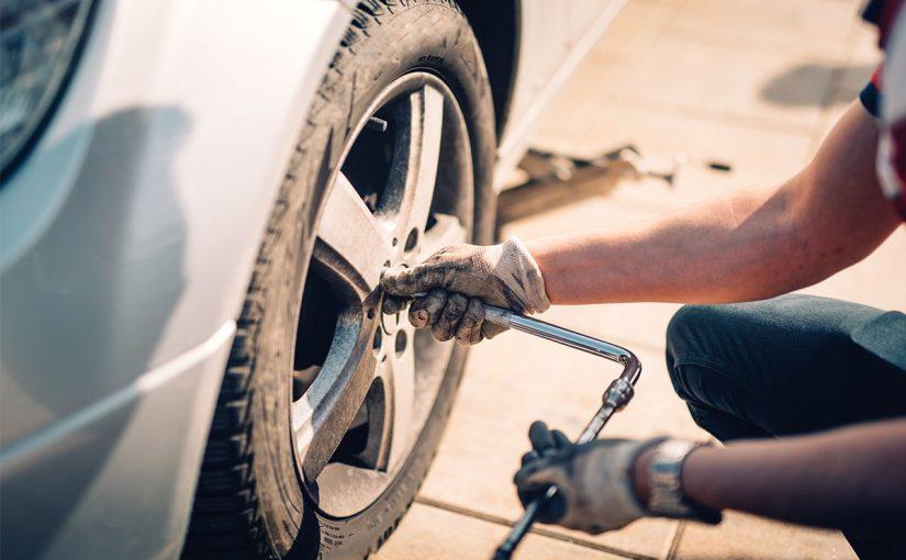 تغيير إطارات السيارة في دبي