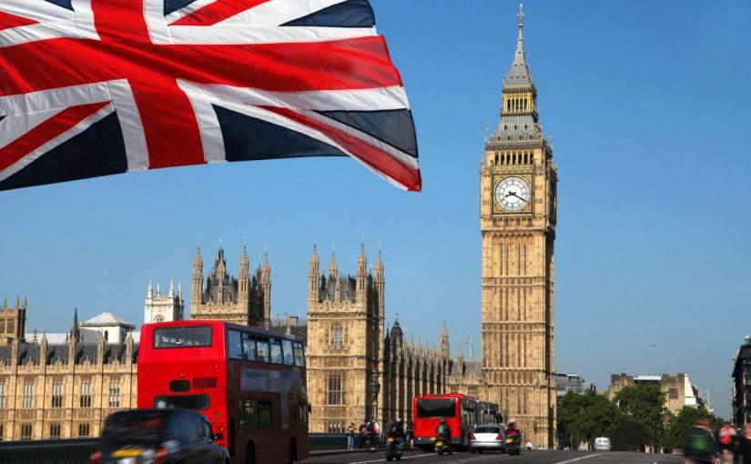 ما هو عدد سكان المملكة المتحدة بريطانيا
