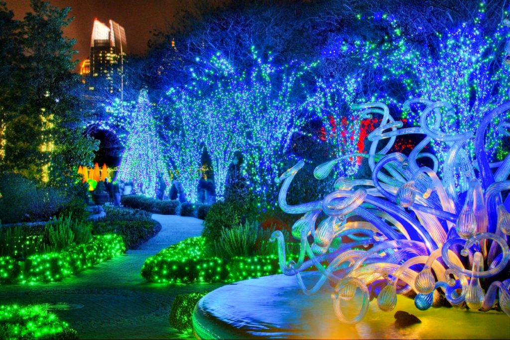 الحديقة المتوهجة دبي جاردن جلو