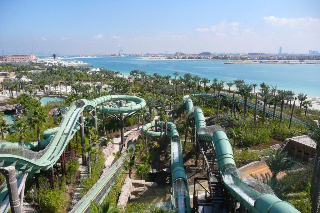 كم مدينة مائية في دولة الإمارات