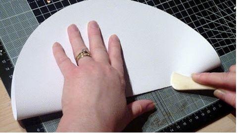 طريقة عمل مطويات بالورق الملون بالصور