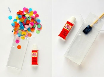تغليف الهدايا بالأوراق الملونة