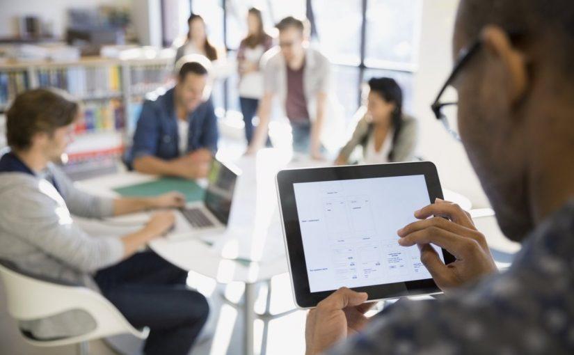 تكنولوجيا المعلومات وتأثيرها على المجتمع