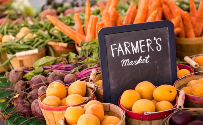 سوق المزارعين المحليين
