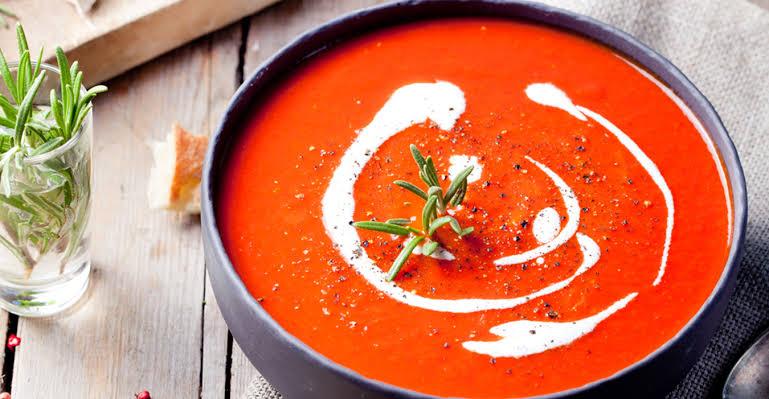 شوربة طماطم لذيذة بالكريمة