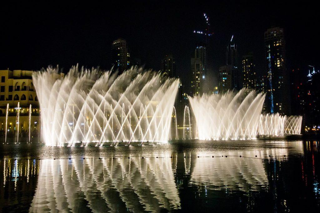 نافورة دبي المضيئة 2020
