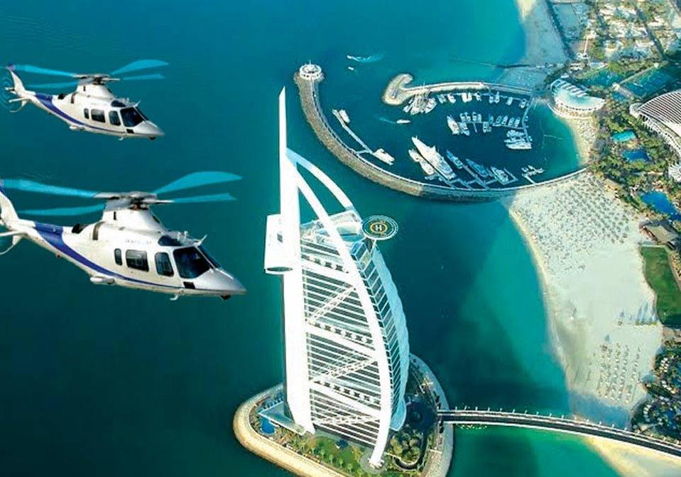 الجولات بالمروحية في دبي