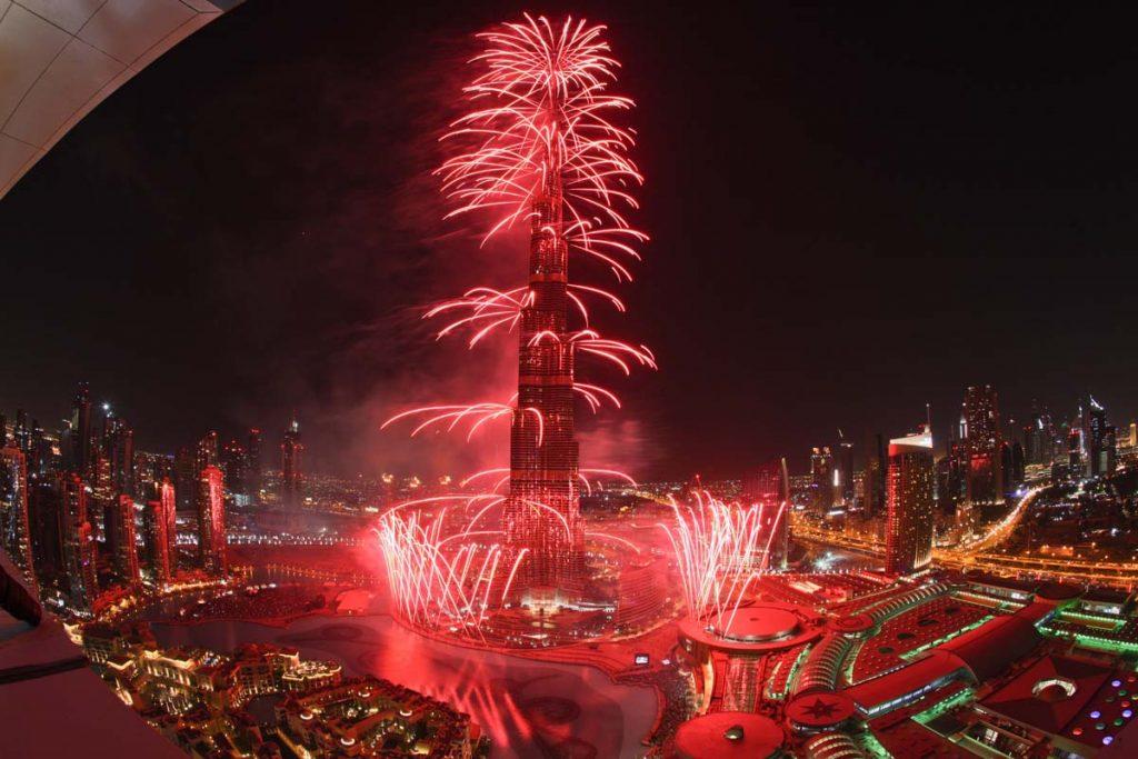 صور الألعاب النارية في دبي