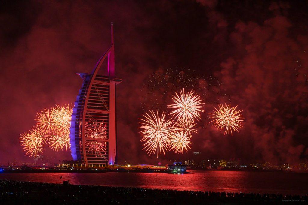 أجمل صور الألعاب النارية في دبي 2020