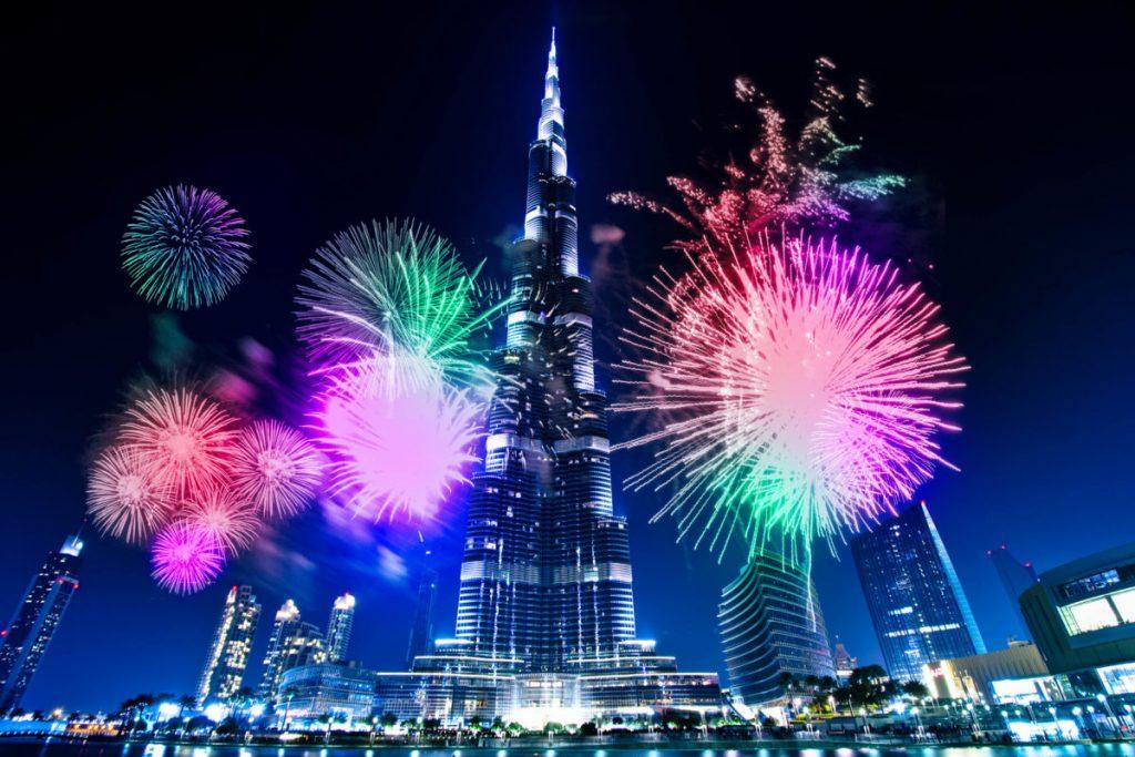 أجمل صور الألعاب النارية في دبي