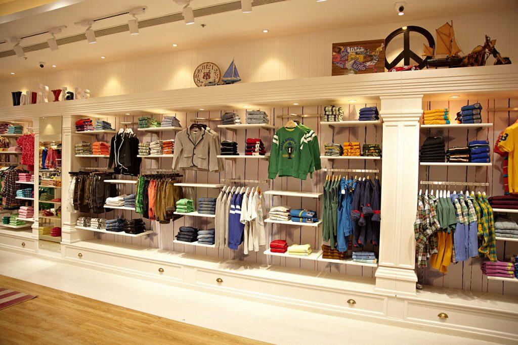 ديكورات محلات ملابس