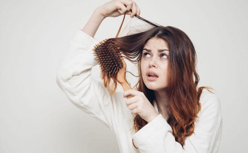 سقوط الشعر في المنام