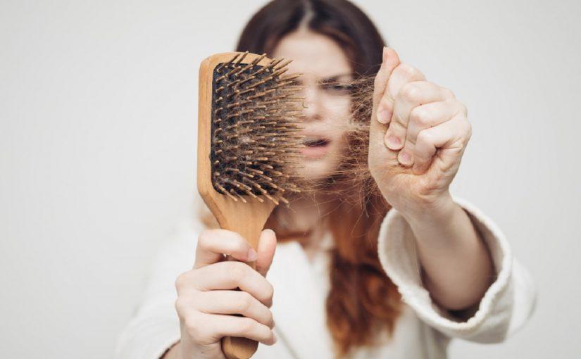 اسباب وعلاج تساقط الشعر بكثرة