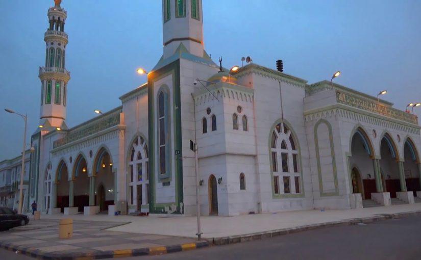 لماذا تُغلَق المساجد بسبب كورونا ولا تُغلَق البنوك