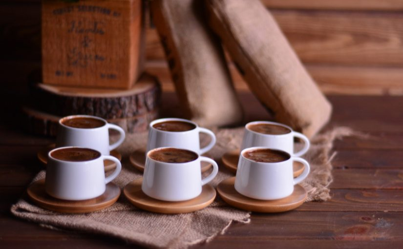 عدد أكواب القهوة المسموح بتناوله يوميًا