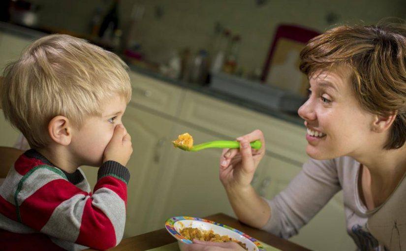 طفلي يرفض الأكل عمره سنتين
