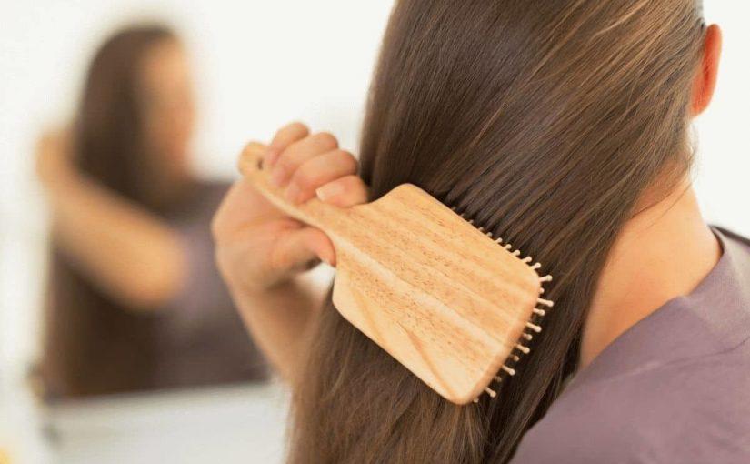 تسريح الشعر في المنام للعزباء