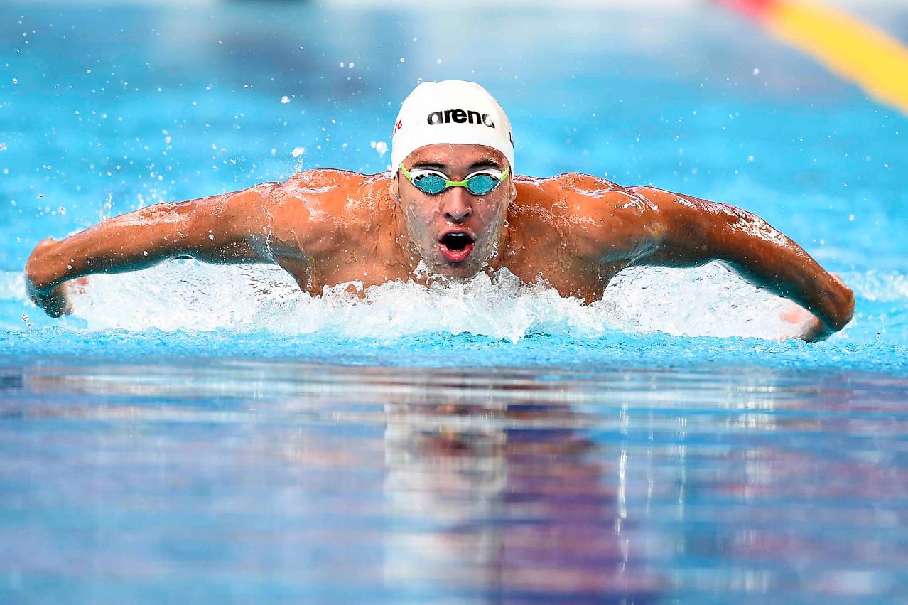 صور عن رياضة السباحة
