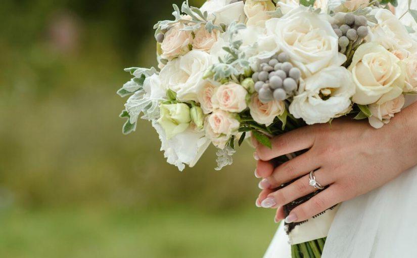 كلمات الى صديقتي العروس